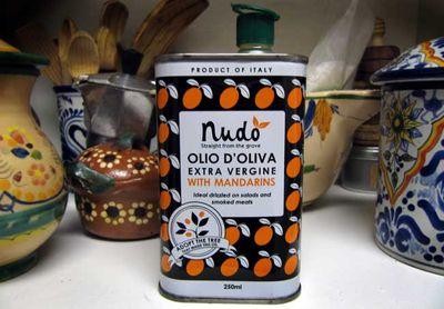 Nudo-oliveoil